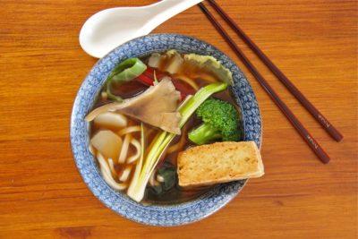 Bouillon miso de nouilles udon